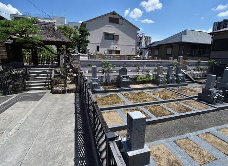 蔵鷺庵墓地