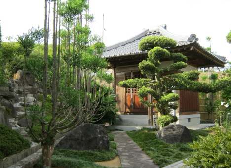 興正寺霊園